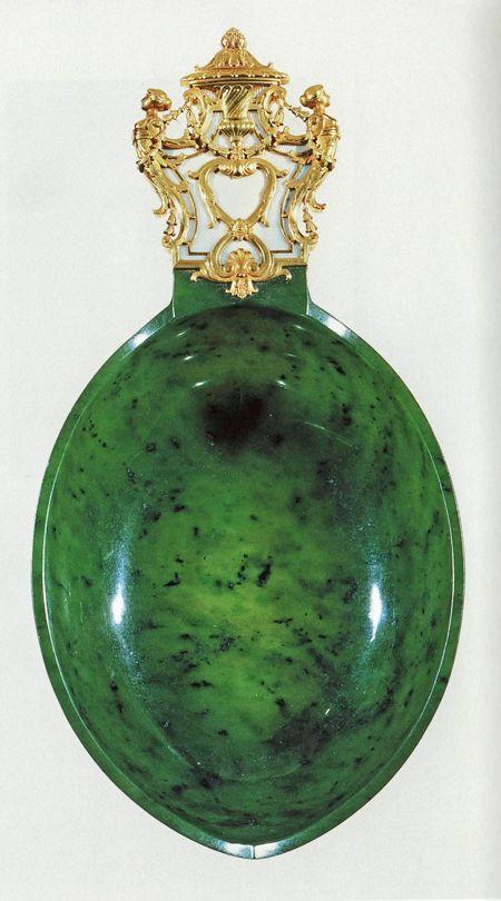 857 best Snuff/ Opium Bottles images on Pinterest | Perfume bottles ...