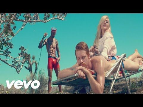 "Download Elle King ""Love Stuff"": iTunes: http://smarturl.it/iLoveStuff?IQid=yt Spotify: http://smarturl.it/sLoveStuff?IQid=yt Amazon: http://smarturl.it/aLov..."