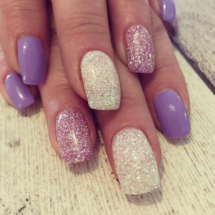 Kerstin #lila #purple #glitter #glitternails #glitternaglar #diamonds #lightelegance #love #gele #gelenaglar #gelnails #gelnailart #gelnailsdesign #nails #nailart #naildesign #nailswag #nailsofinstagram #nailstagram #instagood #instanails #strängnäs #mariefred #nykvarn #eskilstuna #seknaglarochsånt #strängnäsnaglar by seksara