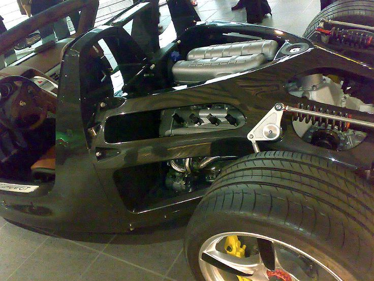 Porsche Carrera GT was the first production car in the