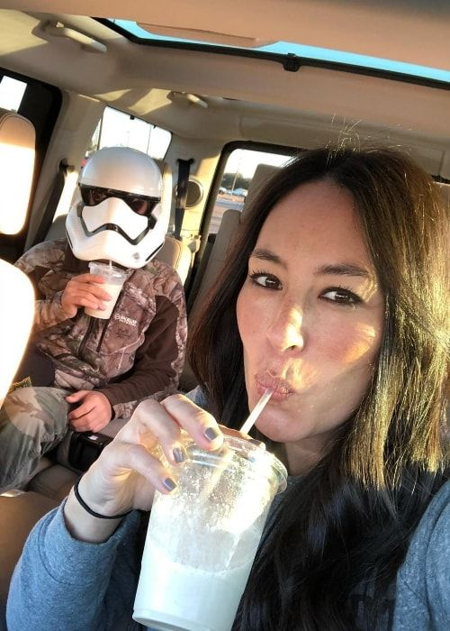 Joanna Gaines Height Weight Age Body Statistics Tv Stars Joanna Gaines Family Chip