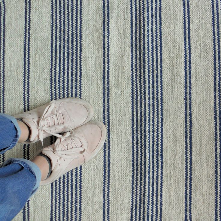Pelle striped blue and off white runner from Skandihome.