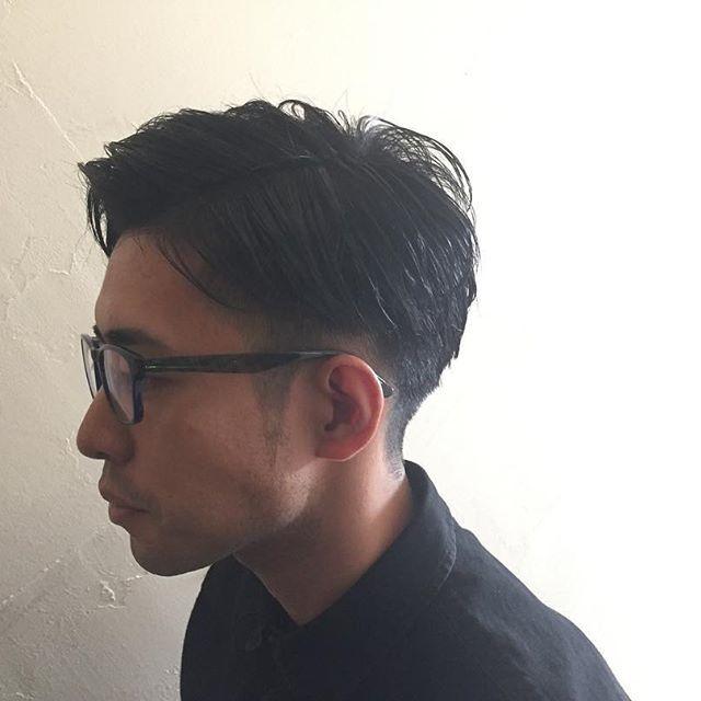2016/11/06 12:46:25 ricopiso3 メンズカット+パーマ  stylist/rico nakamori model/takurou  七三バーバースタイル 2mmで刈り上げ on流れるウェーブパーマ  仕上げはプロダクトワックスでウェットに  Instagram見ました +中森指名で20%OFF!  cut ¥4320▷▷¥3456 men's¥5400▷▷¥4320 cut+color¥10300〜▷▷¥8240〜(ショート料金)  #美容師#美容#美容院#松阪市#Landmarc#landmarc#プロダクトワックス#濡れ髪#クレイツ#カット#パーマ#ヘアチェンジ#ヘアスタイル#髪型#メンズカット  #美容