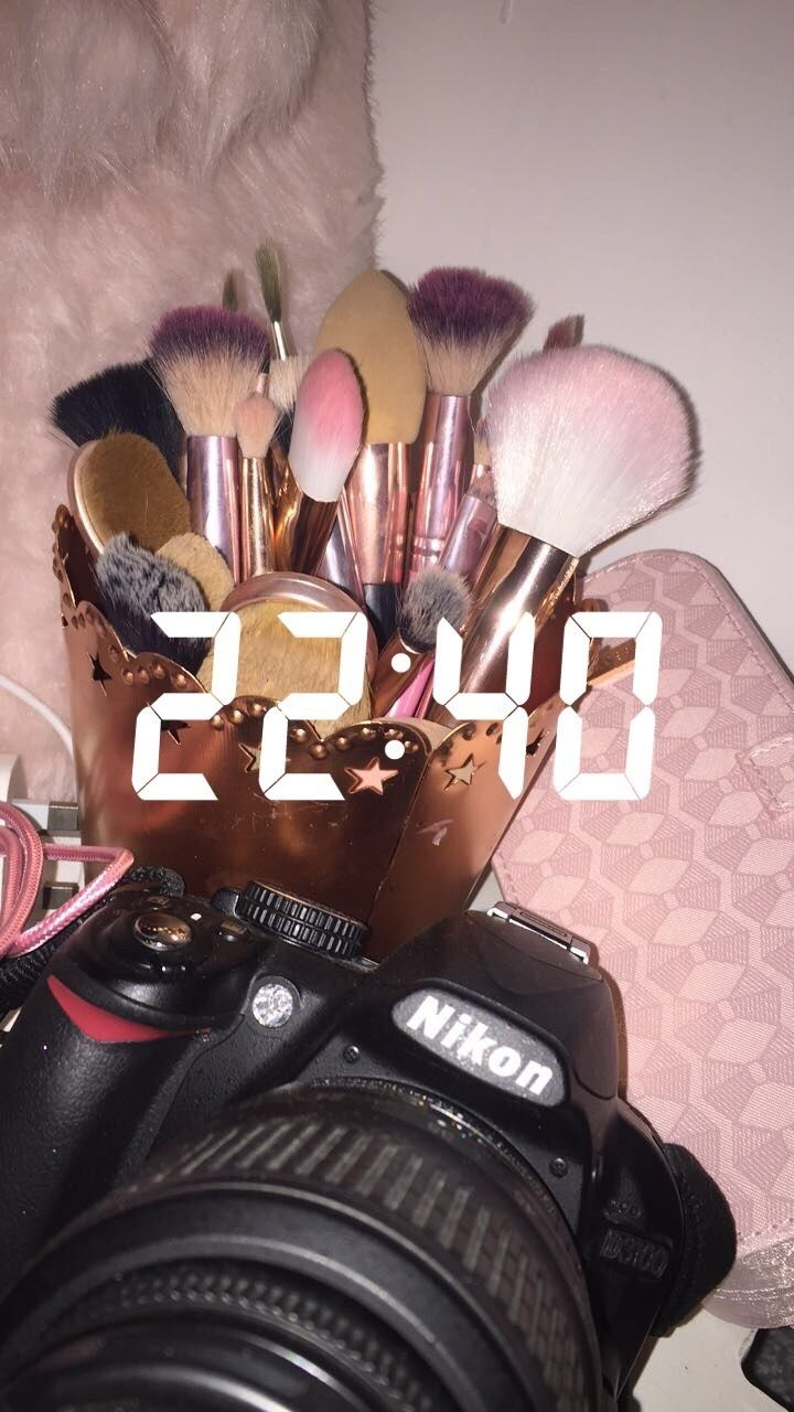 Maquillaje ⇝Pinterest: @ainaranovo⇜ ⇝Instagram: @ainaaranovo⇜