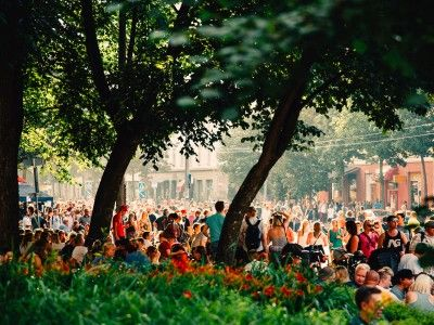 Kallio Block Party is the street party of the year Kallio Block Party takes place in August on the streets of Kallio. Brilliant music and a variety of performances entertain the young and old until late at night.