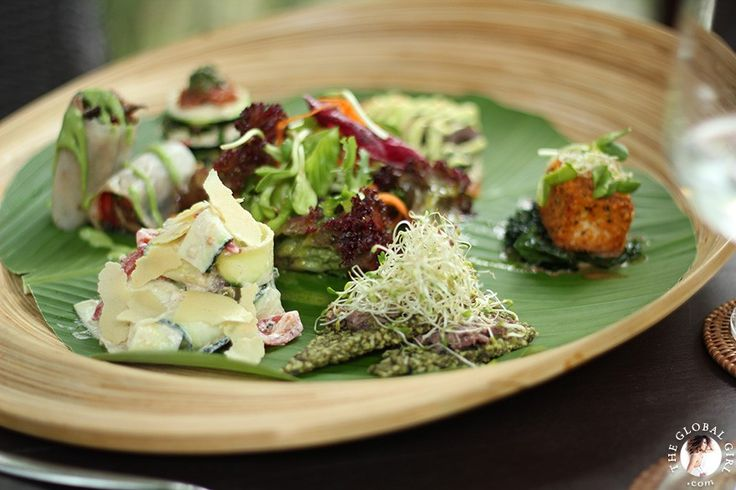 The Global Girl Travels:  Fabulous sampler of raw vegan entrees. Lunch at Five Elements, an eco-conscious wellness retreat, spa and raw living foods restaurant nestled on the banks of the Ayung River in Ubud, Bali. #rawfood