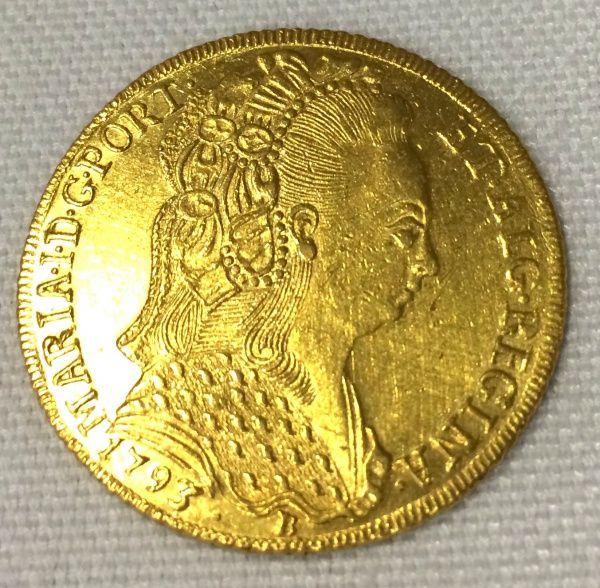 Moeda de ouro - Brasil Colônia - Dona Maria a Piedosa - 1793 Bahia - 6400 Reis - Véu Toucado - 2º