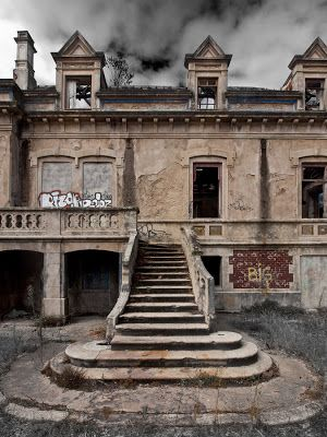 Quinta do Montado - Canidelo - Gaia. Built in the late 19th century, it is a rare example of palatial architecture and is attributed to an architect António Silva,