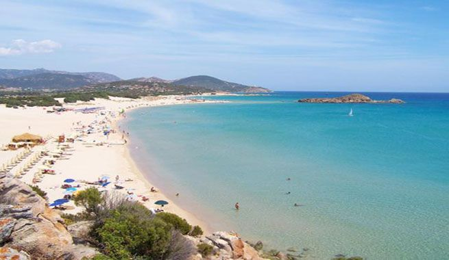 Nora, una playa de ensueño en Cerdeña