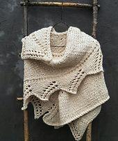 A wearable HUG | english pattern | knitted shawl | chunky knits | chunky shawl | knitting pattern | quick knits