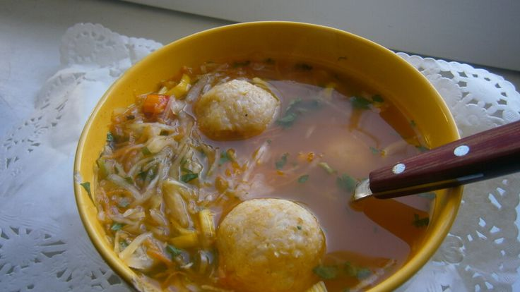 Savanyú káposzta leves rizsgombócokkal