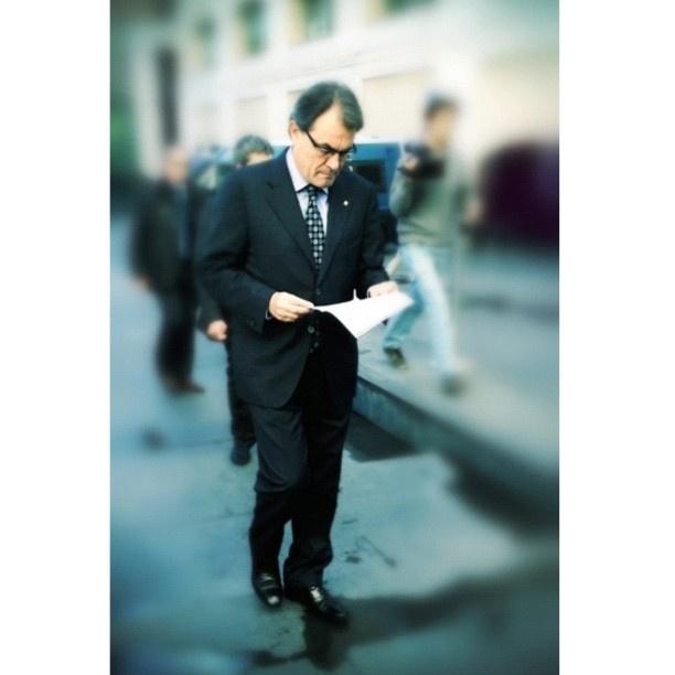Artur Mas . Ens ha de donar ànims President!  Per fi la veu d'un poble és portada amb dignitat. Gràcies Catalunya per escollir democràticament un bon líder. No li fallem ara!