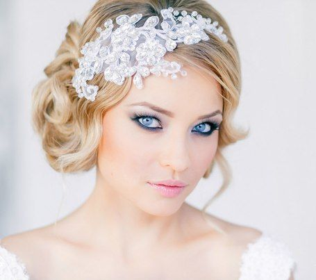Short bridal haircut and with front large brooch #hot #sexy #hairstyles #hairstyle #hair #long #short #buns #updo #braids #bang #blond #wedding #style #haircut #bridal #curly #bride #celebrity #black #white #trend #bob #girl #pantyhose #stockings #bikini #legs