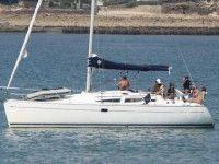Location de Voilier Jeanneau SUN ODYSSEY 35 DL Le port du Crouesty Location de voilier Le port du Crouesty  Location de voilier Jeanneau SUN ODYSSEY 35 DL Location de voilier Jeanneau SUN ODYSSEY 35 DL Location de voilier Jeanneau SUN ODYSSEY 35 DL Caractéristiques du voilier Le Crouesty - Morbihan (56) Marque : Jeanneau  Modèle de bateau : SUN ODYSSEY 35 DL  Longueur : 10.75 m  Tirant d'eau : 0.96 - 2.18 m  Quille : Dériveur  Année : 2004  Nom du bateau : L'HARMATTAN  Largeur : 3.49 m…