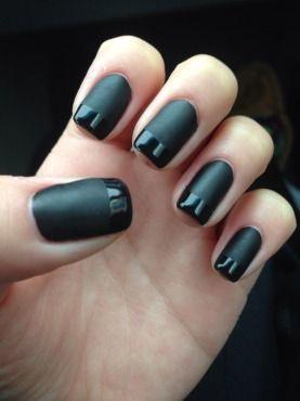 black nails ongles noir mat