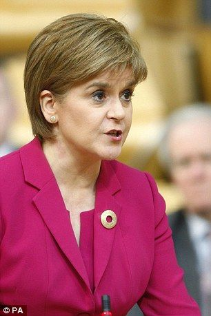 Nicola Sturgeon tells ministers not to implement press gagging law