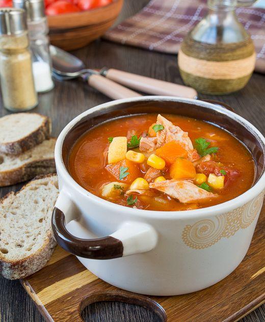 Томатный суп с тыквой и курицей