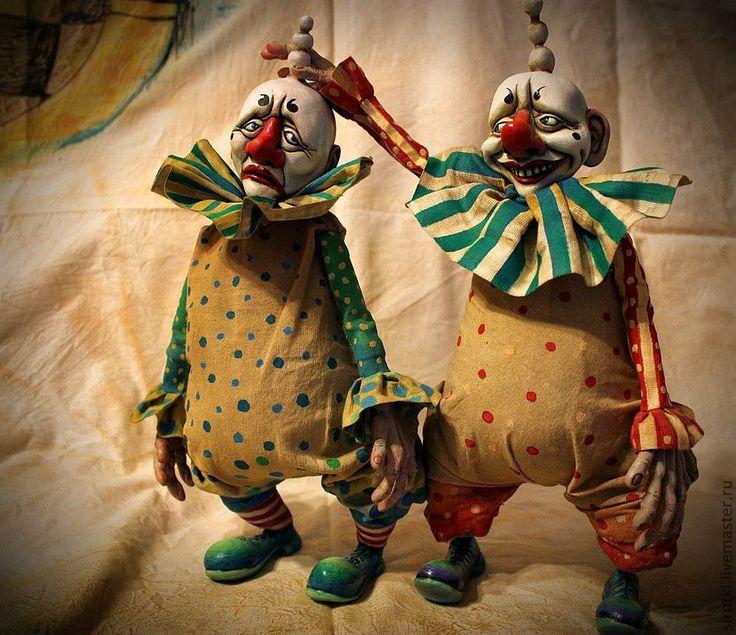 Купить Винс&Джоб. - ярко-красный, клоуны, цирк, старый цирк, клоунада, подарок на любой случай
