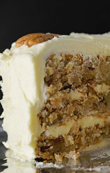 Hummingbird Cake Recipe ~ a classic... Southern cake recipe perfect for serving at so many special occasions or when entertaining.