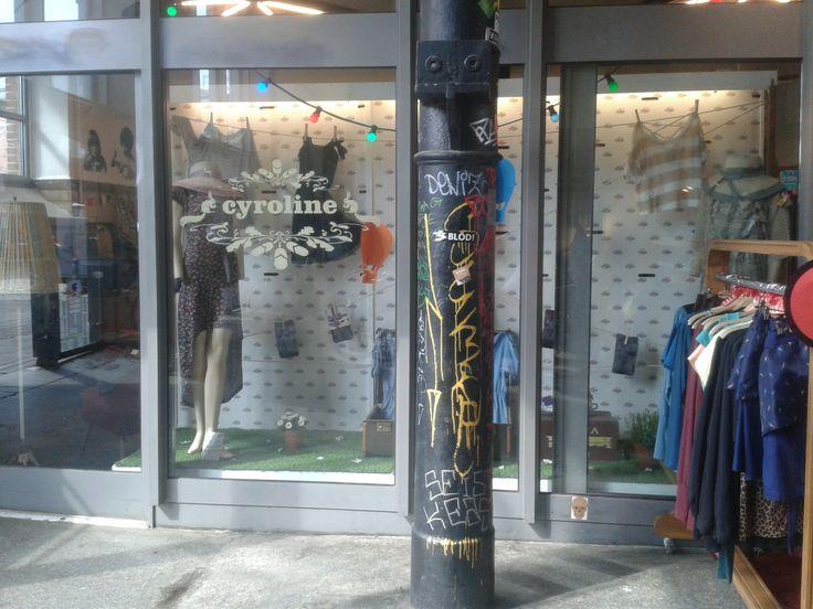 Cyroline in Hamburg, Neuer Kamp 30, Schöne Kleidung