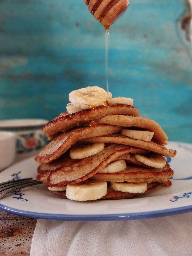 Havermout pannenkoeken met honing & banaan - Oatmeal pancakes with honey & banana by cuisinedeclementine #recept