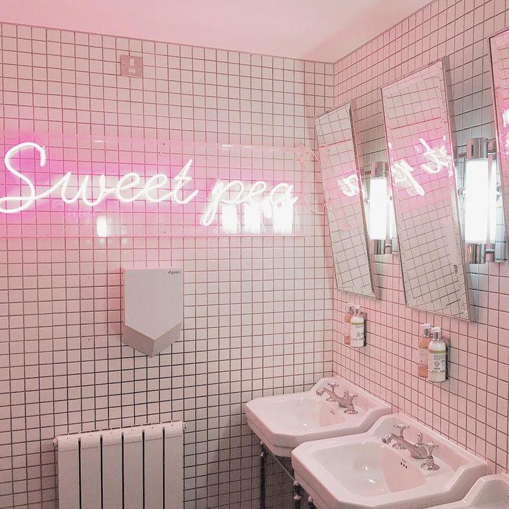 Die besten 25 pink toilet ideen auf pinterest - Rosa badezimmer ...