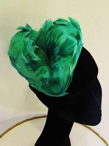 Mi batte il cuor Acconciatura realizzate in piume verde mélange