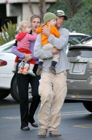 JULIA ROBERTS AND DANNY MODER:    Julia Roberts and her husband welcomed twins after a successful in-vitro fertilization treatment. The Pretty Woman actress gave birth to Hazel (girl) and Phinnaeus (boy) in November of 2004.