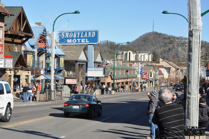 Have You Walked Down This Strip Gatlinburg Gatlinburg