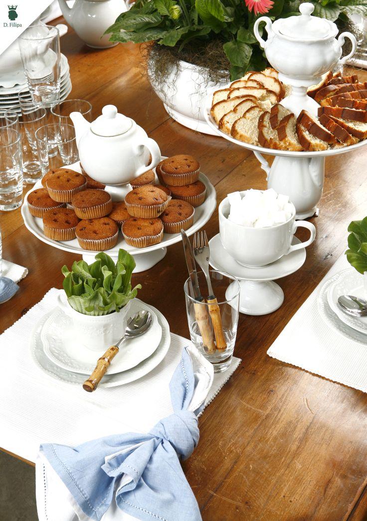 Monte uma mesa de café da manhã especial com as peças D.Filipa.