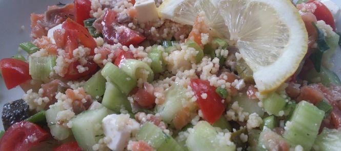 Heerlijke Couscous Salade Met Zalm, Feta, Komkommer En Tomaat recept | Smulweb.nl