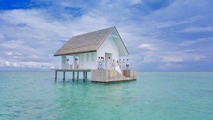 Bangunan Tempat Pernikahan Di Tengah Laut Maladewa | 30/04/2016 | SolusiProperti.com-Apakah Anda pernah bermimpi untuk menggelar pernikahan di tengah lautan? Jika iya, maka mungkin lokasi yang satu ini bisa menjadi tempat yang Anda idamkan. Bangunan bernama Island Wedding ... http://propertidata.com/berita/bangunan-tempat-pernikahan-di-tengah-laut-maladewa/ #properti #resort