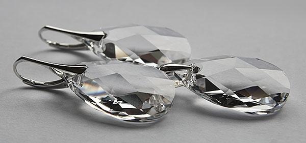 Fülbevalók #Swarovski KÖRTE medálból #Crystal színben.