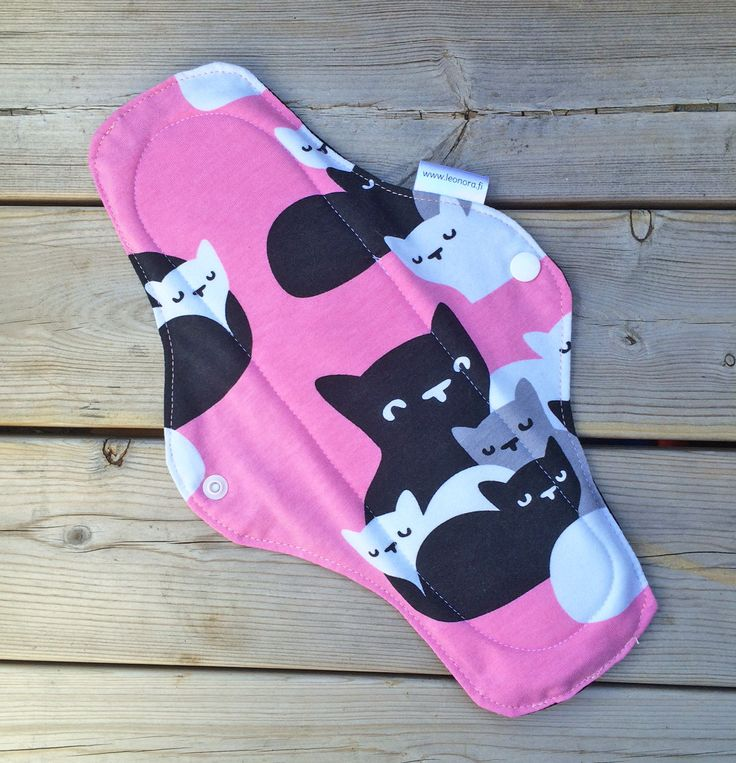 Pink 11 inch cloth pad with cute cats print - organic cotton overnight cloth pad - bamboo cloth pad - mama pad - cloth menstrual pad - rumps by leonorafi on Etsy