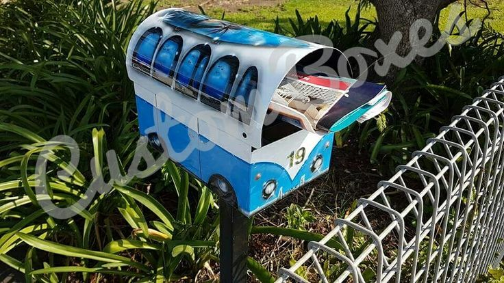 Blue 19 Kombi Box increase the street appeal of a lovely beach cottage.