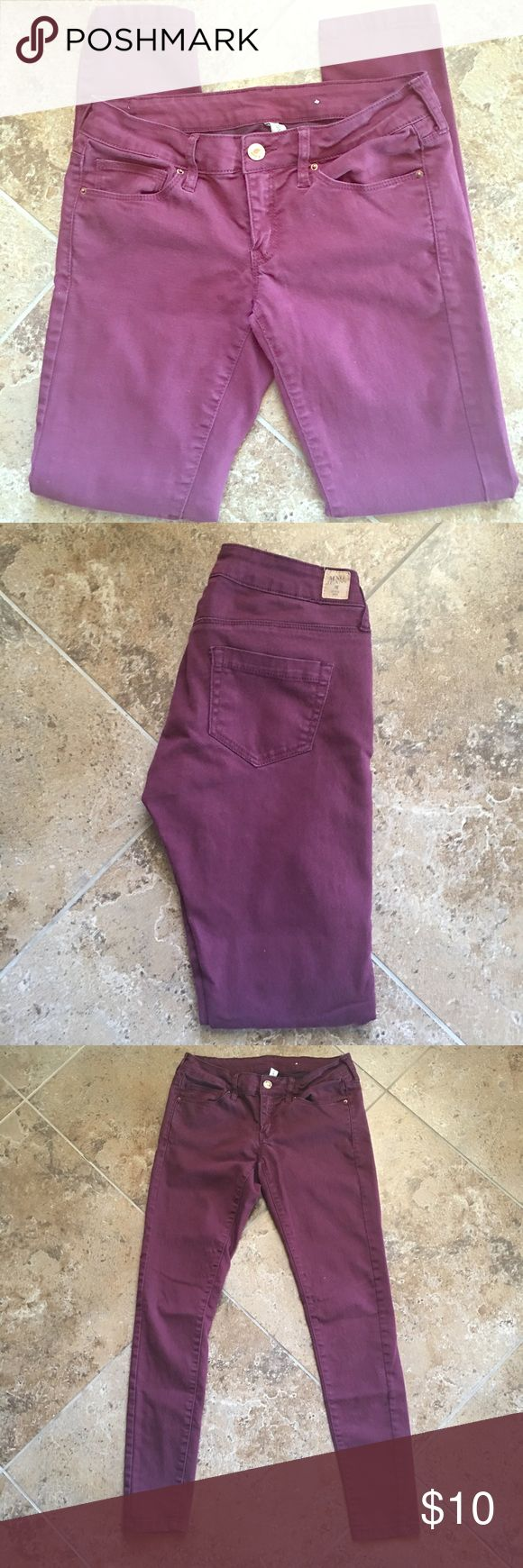 "MNG Purple Skinny Pants Purple MNG skinny pants. Very stretchy and comfortable material. 69% cotton, 28% polyester, 3% elastane. Low-rise style. Measurements laying flat: 28"" inseam, 13.5"" across top.                                         ▫️No trades ▫️Offers welcomed (through offer button only, NO low balls) ▫️I'm unable to model ▫️Bundle to save! Pants Skinny"