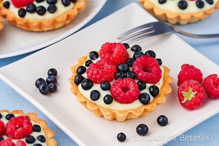 Tartaletki z budyniem i świeżymi owocami