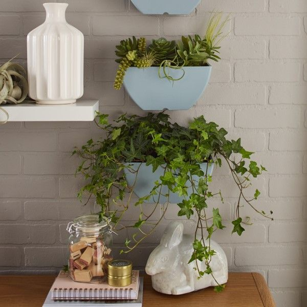 Wall Planter features a back key hole for easy wall mounting
