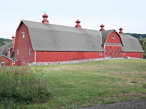 A 1790s barnhouse in upstate New York