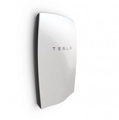 Eneco wordt in de Benelux de eerste officiële leverancier van Tesla's Powerwall, een batterij waarmee huishoudens hun zelf opgewekte zonnestroomop kunnen slaan. Het duurzame energiebedrijf verwacht dat de opslag van zelf opgewekteenergie een belangrijke rol gaat spelen in de energietransitie.