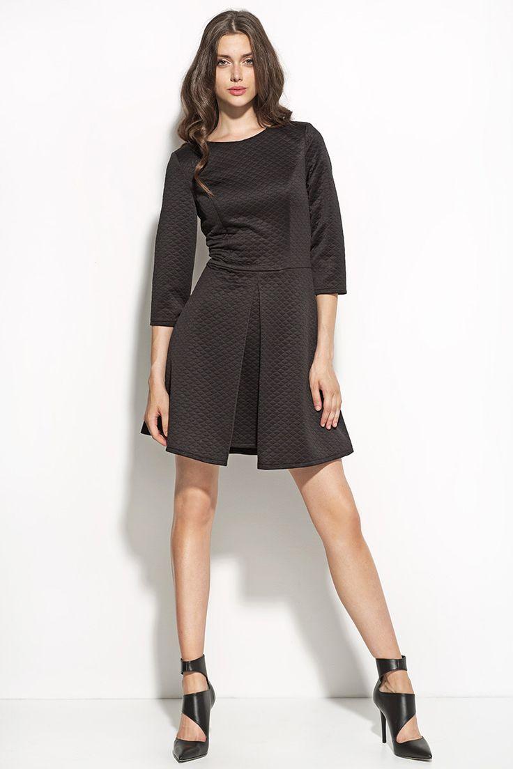 Elegancka pikowana sukienka S55 czarna