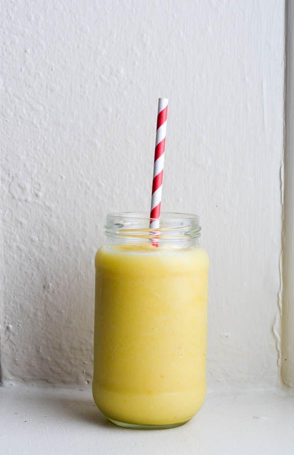 Healthy breakfast Pineapple smoothie | www.salierai-rankineje.lt