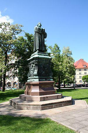 Lutherdenkmal, Karlsplatz, Eisenach, Thüringen, Germany