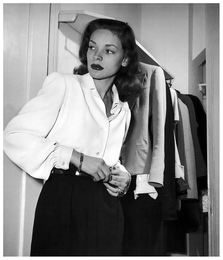 Actress Lauren Bacall at Gotham Hotel, photo by Nina Leen, New York, May 1945