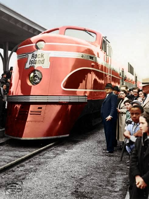 """1938 Rock Island's """"Rocket"""" a product of Electro-Motive Corporation. There were 6 built only for the Rock Island between August and October of 1937.…"""