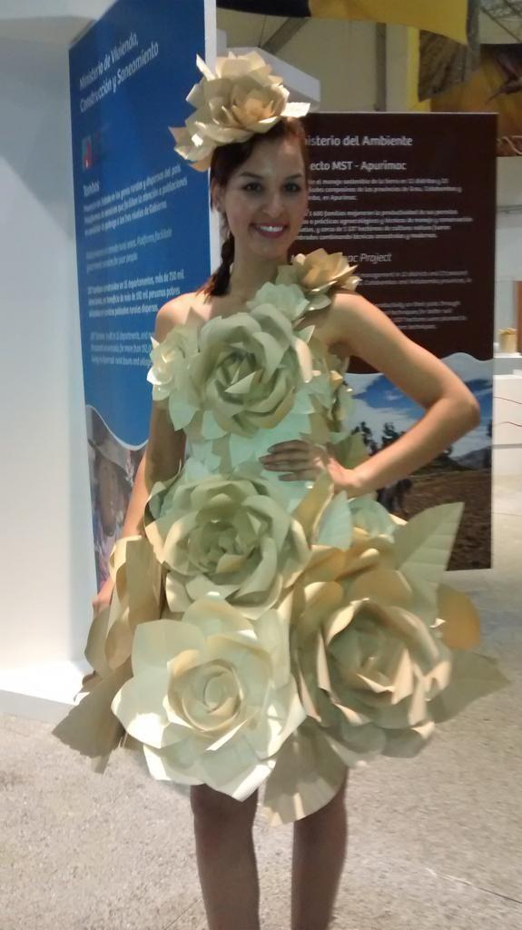 vestidos hechos de reciclaje sencillos - Buscar con Google