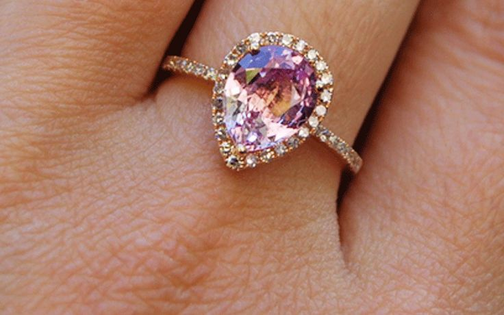 Rose Gold Engagement Rings: The Perfect Choice for Your Proposal