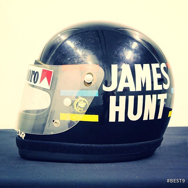 More is almost always less as is the case with James Hunt's lid. Simple design, eye-catching colours and its owner's moniker in bold.