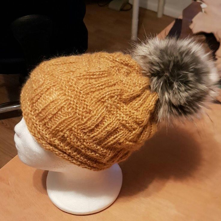 Excited to share the latest addition to my #etsy shop: Beautiful hat for winter with faux fur #accessories #hat #biasyogdesign http://etsy.me/2BeoNef