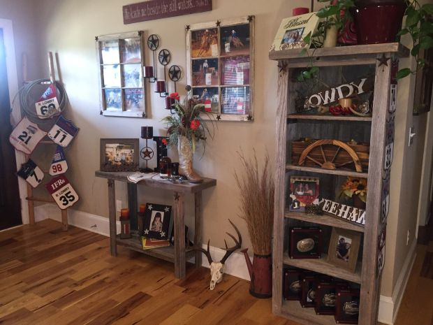 Lassoing Lowry: This breakaway beauty shares her amazing homestead with us. She's crafty, organized, and creative! Find new rodeo cowboy home decor ideas with the Houlihan Homestead.